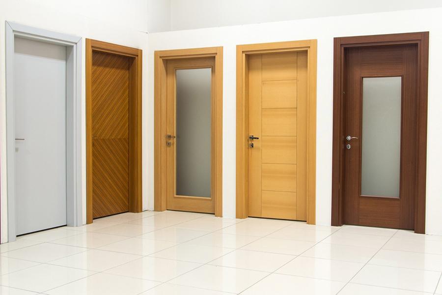 esposizione porte da interno sala mostra linea legno