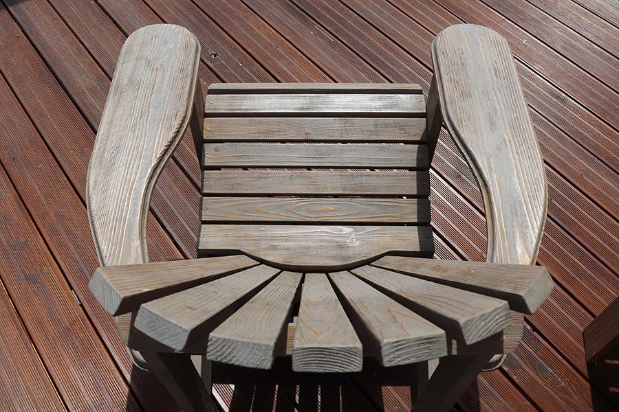 poltrona da giardino americana in legno modello anastasia realizzata da linea legno vista da sopra