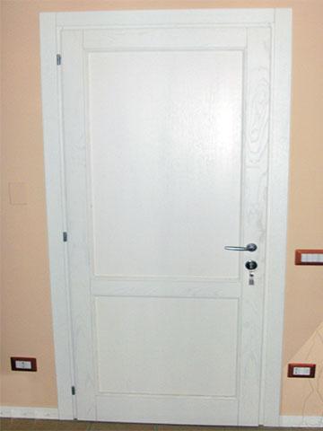 porta interno in legno massello bianco
