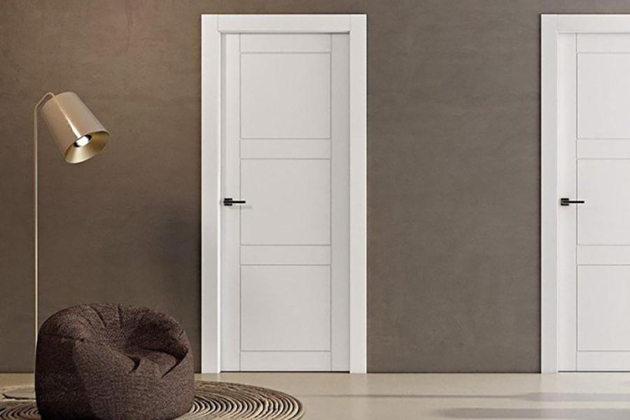 porta da interno in legno bianco massello realizzata da linea legno