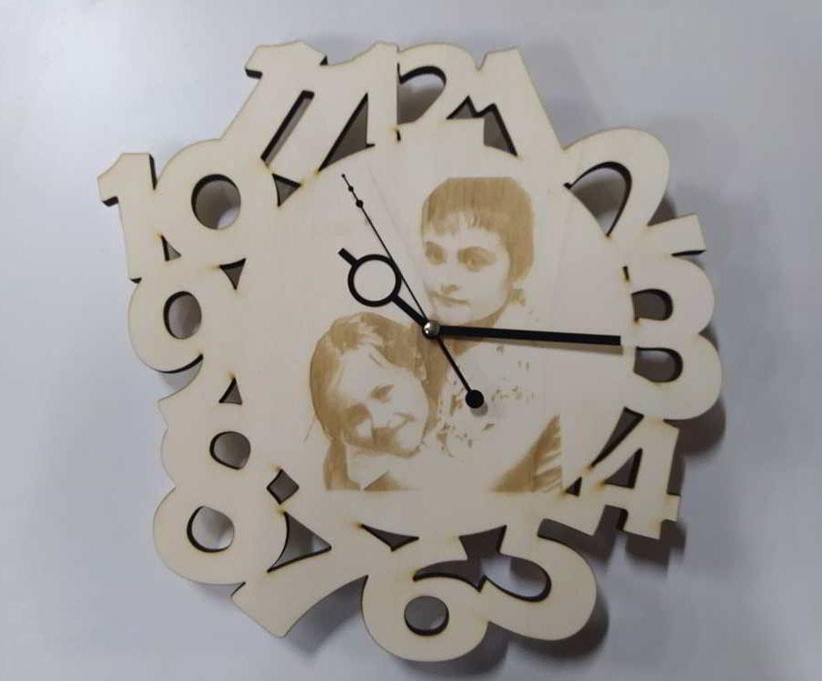 orologio-legno-taglio-laser